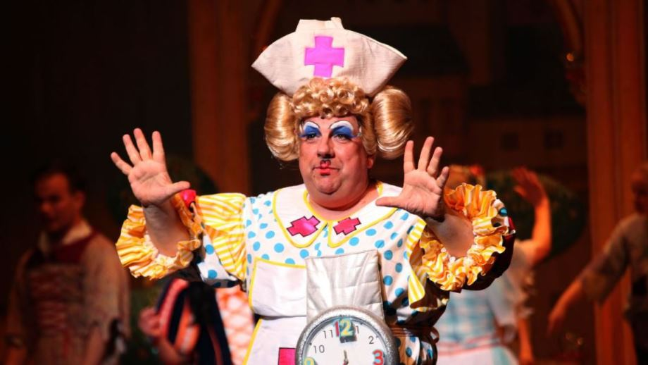 Kevin Johns as a Grand Dame in Aladdin