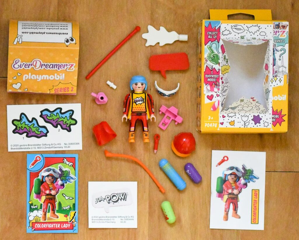 Playmobil EverDreamerZ Series 2 Surprise Box Colorfighter Lady Contents
